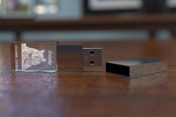 Skleněný produkt USB klíčenka 3 – GLA0006